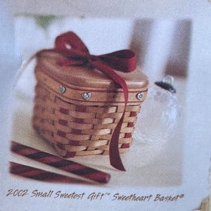Longaberger 2002 Small Sweetheart Basket with Lid